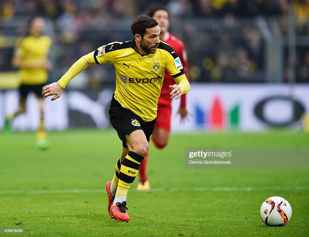 <a gi-track='captionPersonalityLinkClicked' href=/galleries/search?phrase=Gonzalo+Castro&family=editorial&specificpeople=605388 ng-click='$event.stopPropagation()'>Gonzalo Castro</a> of Borussia Dortmund controls the ball during the Bundesliga match between Borussia Dortmund and Hannover 96 at Signal Iduna Park on February 13, 2016 in Dortmund, Germany.