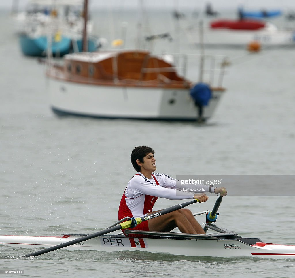 Gonzalo del Solar Vargas of Peru competes during the Men's Single Scull Play Off as part of the I ODESUR South American Youth Games at Pista de Regatas Cantolao on September 23, 2013 in Lima, Peru.