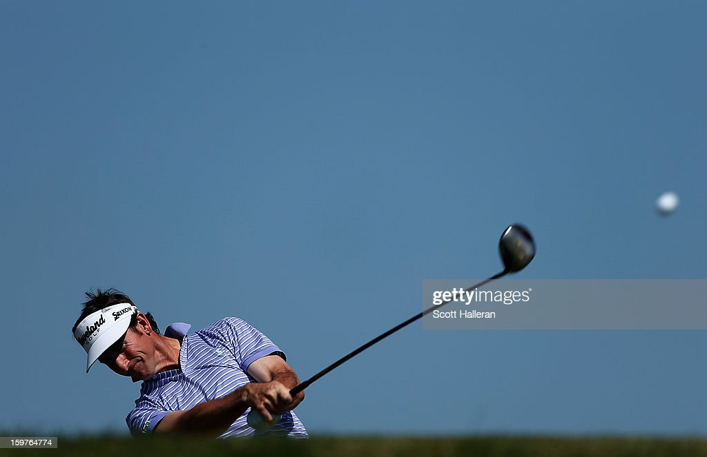 Gonzalo Fernandez-Castano of Spain hits his tee shot on the third hole during the final round of the Abu Dhabi HSBC Golf Championship at Abu Dhabi Golf Club on January 20, 2013 in Abu Dhabi, United Arab Emirates.