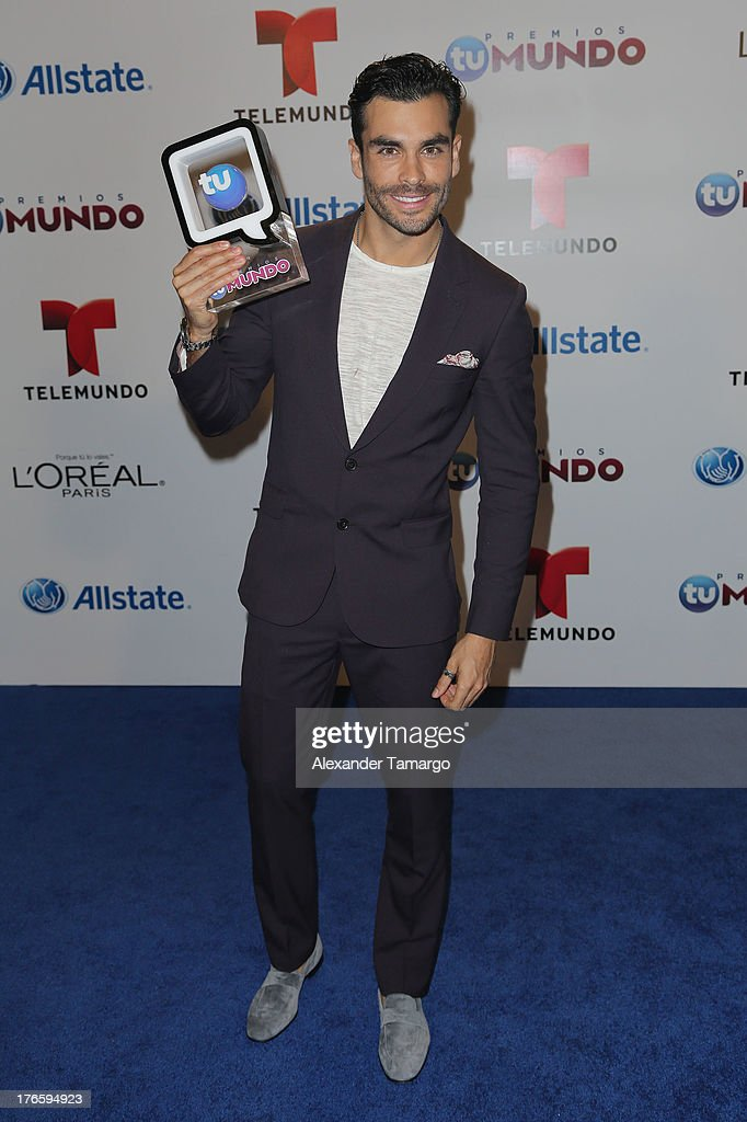 Gonzalo Garcia Vivanco poses backstage at Telemundo's Premios Tu Mundo Awards at American Airlines Arena on August 15, 2013 in Miami, Florida.