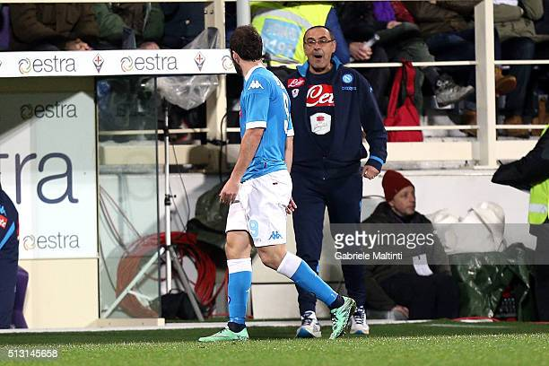 Gonzalo Higuain and Maurizio Sarri of SSC Napoli show their dejection during the Serie A match between ACF Fiorentina and SSC Napoli at Stadio...