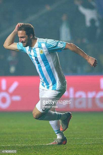 Gonzalo Higuain of Argentina celebrates after scoring the sixth goal of his team during the 2015 Copa America Chile Semi Final match between...