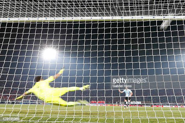 Gonzalo Higuain of Argentina fails the second penalty in the penalty shootout during the 2015 Copa America Chile Final match between Chile and...