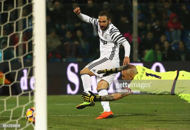 Gonzalo Higuain of Juvents scores his team's second goal during the Serie A match between FC Crotone and Juventus FC at Stadio Comunale Ezio Scida on...