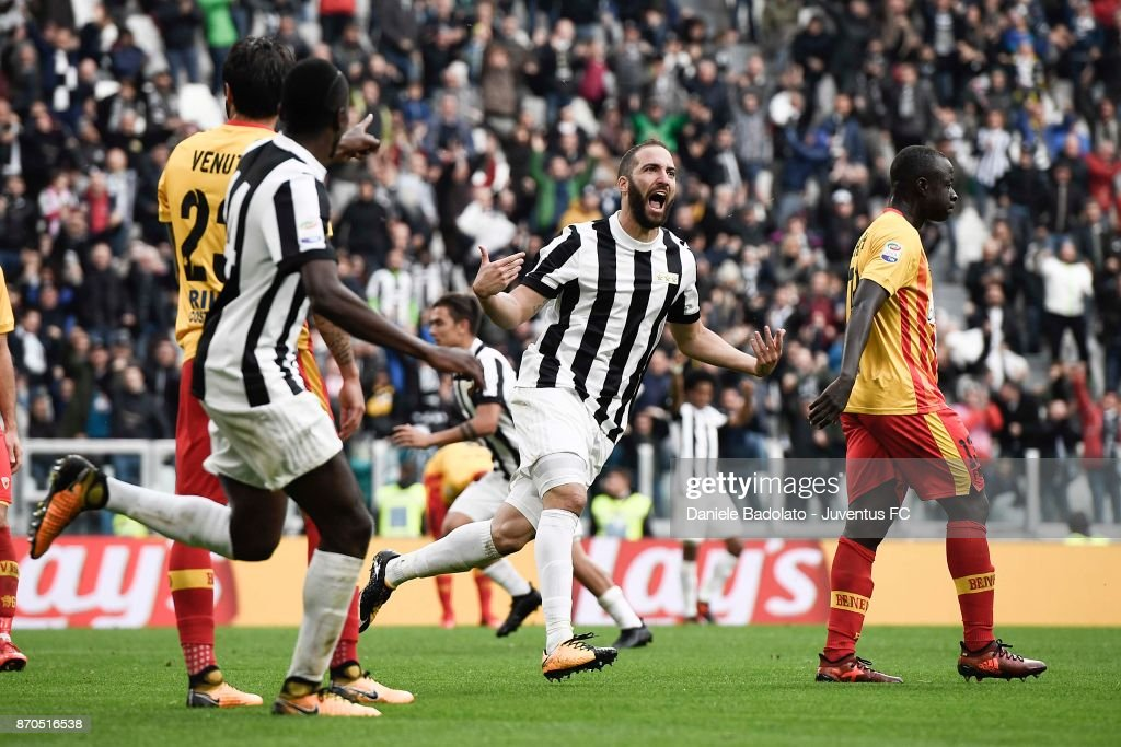 Gonzalo Higuain of Juventus celebrates his goal during the Serie A match between Juventus and Benevento Calcio on November 5, 2017 in Turin, Italy.