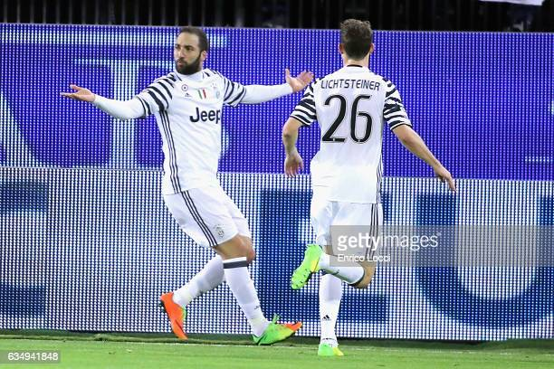 Gonzalo Higuain of Juventus celebrates his goal with teammates during the Serie A match between Cagliari Calcio and Juventus FC at Stadio Sant'Elia...