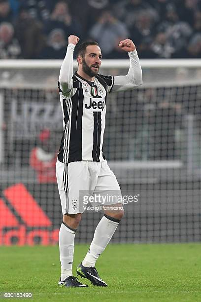 Gonzalo Higuain of Juventus FC celebrates after scoring the opening goal during the Serie A match between Juventus FC and AS Roma at Juventus Stadium...
