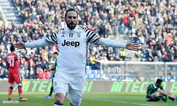 Gonzalo Higuain of Juventus FC celebrates after scoring the opening goal during the Serie A match between US Sassuolo and Juventus FC at Mapei...