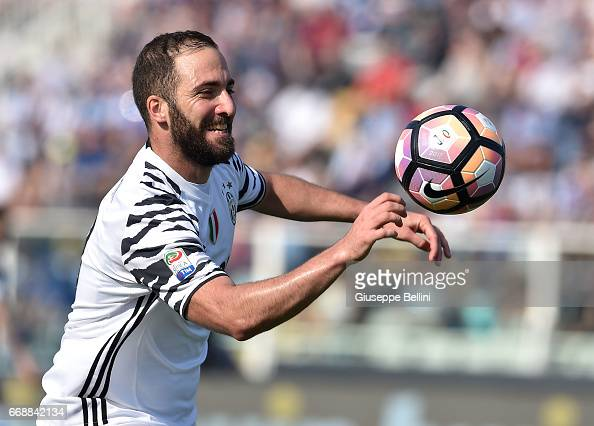 Pescara Calcio v Juventus FC - Serie A : News Photo