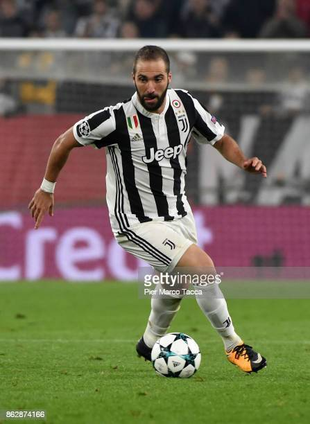 Gonzalo Higuain of Juventus in action during the UEFA Champions League group D match between Juventus and Sporting CP at Juventus Stadium on October...