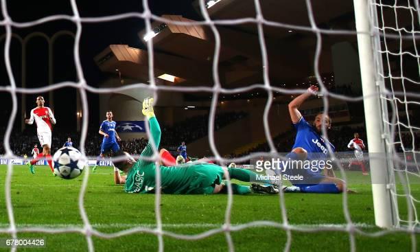 Gonzalo Higuain of Juventus scores his sides second goal past Danijel Subasic of AS Monaco during the UEFA Champions League Semi Final first leg...