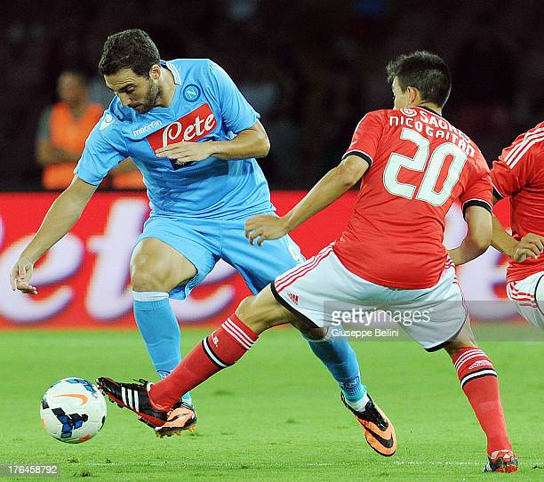 Gonzalo Higuain of Napoli and Nicolas Gaitan of Benfca in action during the preseason friendly match between SSC Napoli and SL Benfica at Stadio San...