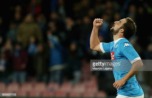 Gonzalo Higuain of Napoli celebrates afetr scoring his team's second goal during the Serie A match between SSC Napoli and US Sassuolo Calcio at...
