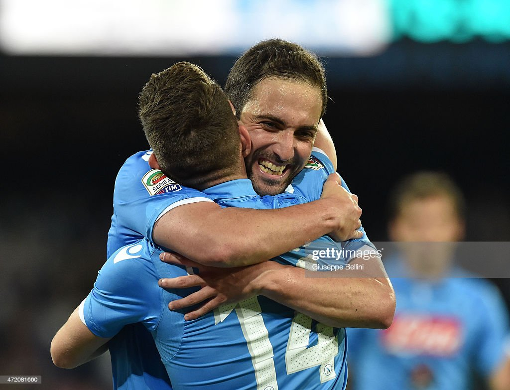 Gonzalo Higuain of Napoli celebrates after scoring the goal 2-0 during the Serie A match between SSC Napoli and AC Milan at Stadio San Paolo on May 3, 2015 in Naples, Italy.