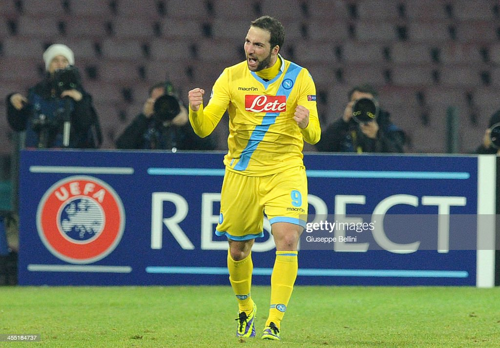 <a gi-track='captionPersonalityLinkClicked' href=/galleries/search?phrase=Gonzalo+Higuain&family=editorial&specificpeople=651523 ng-click='$event.stopPropagation()'>Gonzalo Higuain</a> of Napoli celebrates after scoring the opening goal the UEFA Champions League Group F match between SSC Napoli and Arsenal at Stadio San Paolo on December 11, 2013 in Naples, Italy.