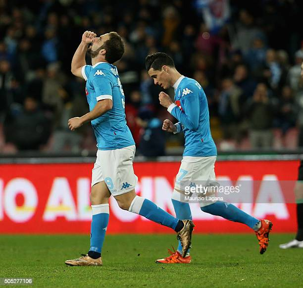 Gonzalo Higuain of Napoli celebrates after scoring the second goal during the Serie A match between SSC Napoli and US Sassuolo Calcio at Stadio San...