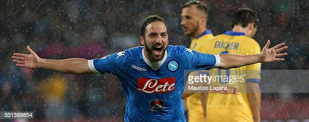 Gonzalo Higuain of Napoli celebrates his team's 4th goal during the Serie A match between SSC Napoli and Frosinone Calcio at Stadio San Paolo on May...