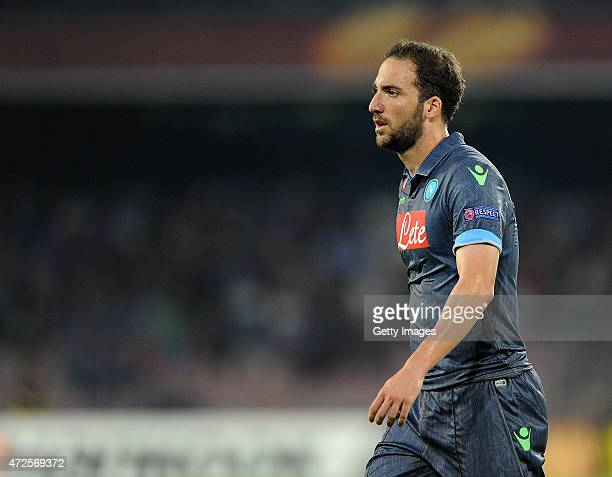 Gonzalo Higuain of Napoli in action during the UEFA Europa League Semi Final between SSC Napoli and FC Dnipro Dnipropetrovsk on May 7 2015 in Naples...