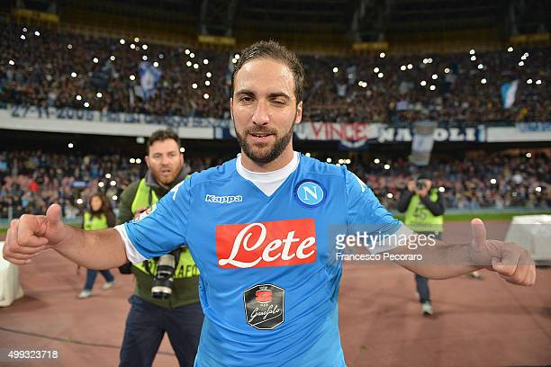 Gonzalo Higuain of SSC Napoli celebrate the victory after the Serie A match between SSC Napoli and FC Internazionale Milano at Stadio San Paolo on...