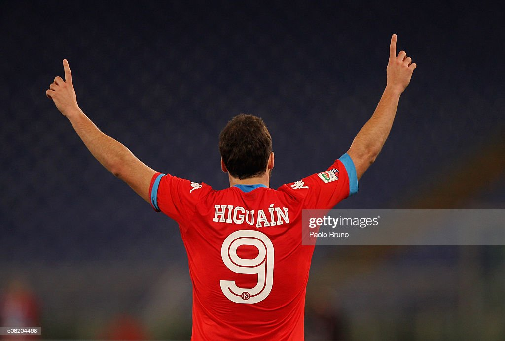 <a gi-track='captionPersonalityLinkClicked' href=/galleries/search?phrase=Gonzalo+Higuain&family=editorial&specificpeople=651523 ng-click='$event.stopPropagation()'>Gonzalo Higuain</a> of SSC Napoli celebrates after scoring the opening goal during the Serie A match between SS Lazio and SSC Napoli at Stadio Olimpico on February 3, 2016 in Rome, Italy.