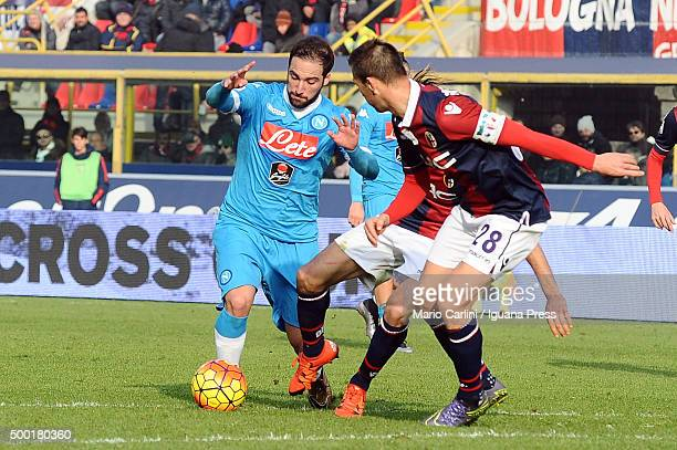 Gonzalo Higuain of SSC Napoli in action during the Serie A match between Bologna FC and SSC Napoli at Stadio Renato Dall'Ara on December 6 2015 in...