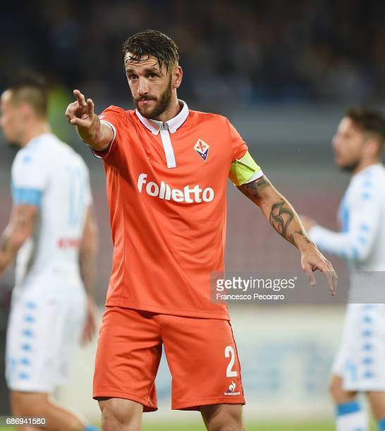 Gonzalo Javier Rodríguez of ACF Fiorentina in action during the Serie A match between SSC Napoli and ACF Fiorentina at Stadio San Paolo on May 20...