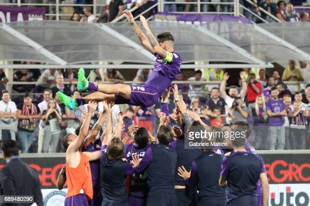 Gonzalo Rodriguez of ACF Fiorentina greeted the audience for his last game with Fiorentina's shirt during the Serie A match between ACF Fiorentina...