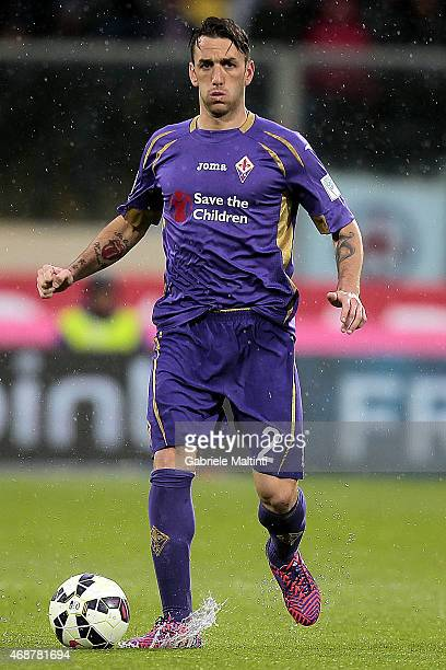 Gonzalo Rodriguez of ACF Fiorentina in action during the Serie A match between ACF Fiorentina and UC Sampdoria at Stadio Artemio Franchi on April 4...