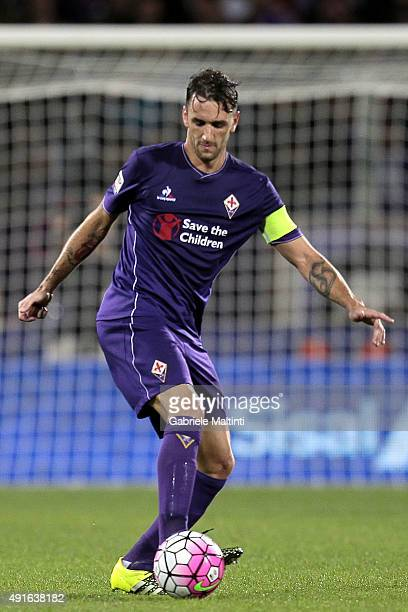 Gonzalo Rodriguez of ACF Fiorentina in action during the Serie A match between ACF Fiorentina and Atalanta BC at Stadio Artemio Franchi on October 4...