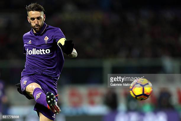 Gonzalo Rodriguez of ACF Fiorentina in action during the Serie A match between ACF Fiorentina and Juventus FC at Stadio Artemio Franchi on January 15...