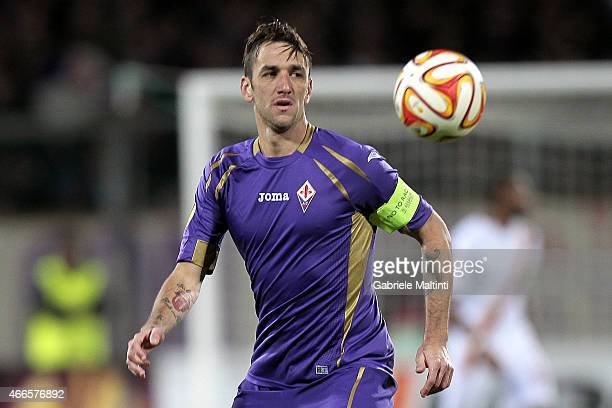 Gonzalo Rodriguez of ACF Fiorentina in action during the UEFA Europa League Round of 16 match between ACF Fiorentina and AS Roma on March 12 2015 in...