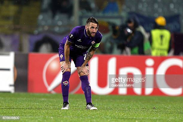 Gonzalo Rodriguez of ACF Fiorentina shows his dejection during the UEFA Europa League match between ACF Fiorentina and PAOK FC at Stadio Artemio...