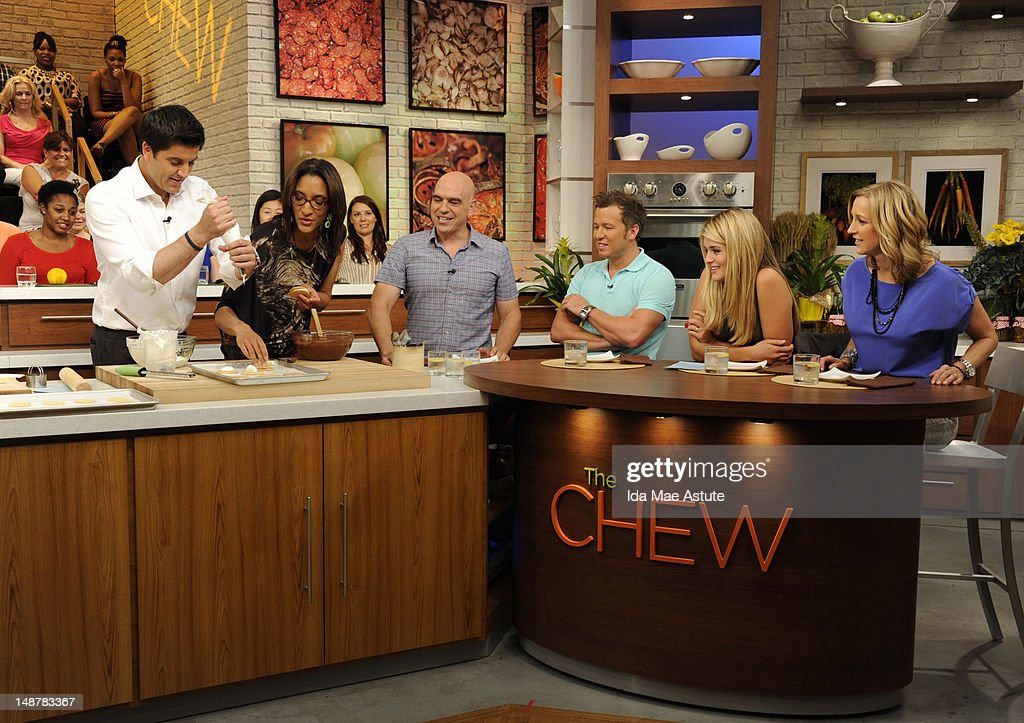 THE CHEW - (airs 7.19.12) - 'Good Afternoon America' co-hosts Josh Elliott and Lara Spencer visit 'The Chew.' 'The Chew' airs MONDAY - FRIDAY (1-2pm, ET) on the ABC Television Network. SPENCER