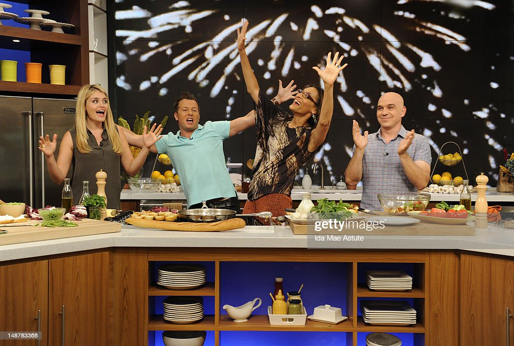 THE CHEW - (airs 7.19.12) - 'Good Afternoon America' co-hosts Josh Elliott and Lara Spencer visit 'The Chew.' 'The Chew' airs MONDAY - FRIDAY (1-2pm, ET) on the ABC Television Network. SYMON
