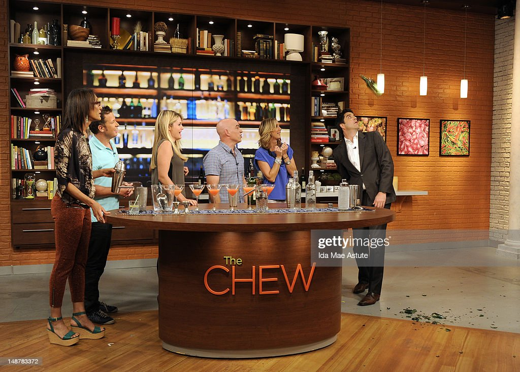 THE CHEW - (airs 7.19.12) - 'Good Afternoon America' co-hosts Josh Elliott and Lara Spencer visit 'The Chew.' 'The Chew' airs MONDAY - FRIDAY (1-2pm, ET) on the ABC Television Network. ELLIOTT