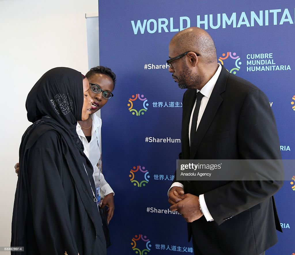 UNESCO goodwill ambassador and Founder and CEO of The Whitaker Peace & Development Initiative (WPDI) US Actor Forest Whitaker (R) talks with participants after a press conference within held within World Humanitarian Summit in Istanbul, Turkey on May 24, 2016.