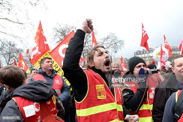 Goodyear workers demonstrate for the acquittal of 8 former union workers who were sentenced to 9 months in prison on February 4 2016 in Paris France...