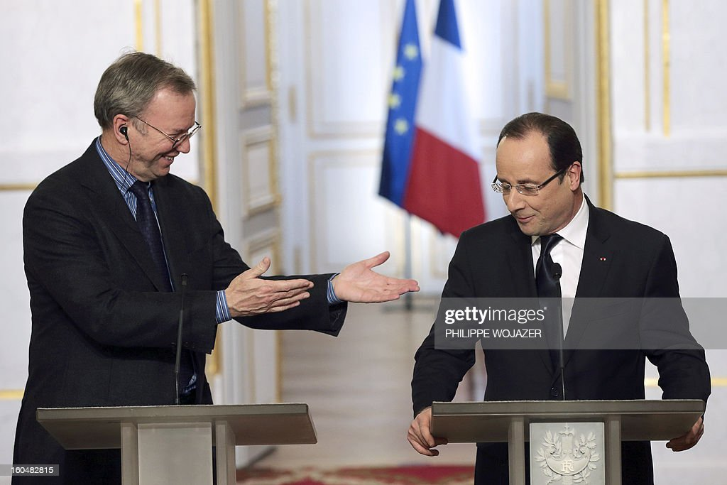 Google Executive Chairman Eric Schmidt and French President Francois Hollande give a press conference following a signing agreement meeting at the Elysee Presidential Palace on February 1, 2013 in Paris.