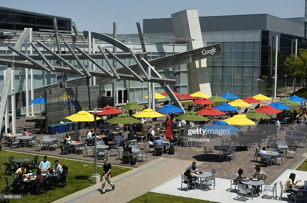 Google Inc employees gather for lunch in the main courtyard of Google Inc headquarters in Mountain View California on Wednesday May 16 2007 Google...