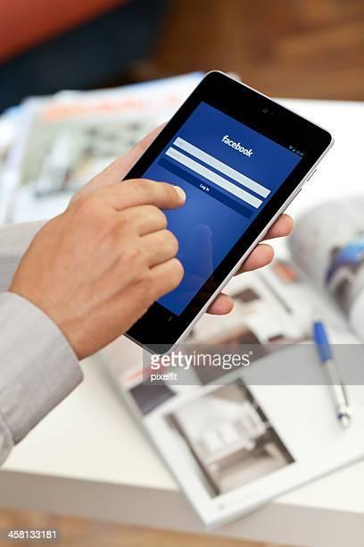 Google Nexus 7 and Facebook