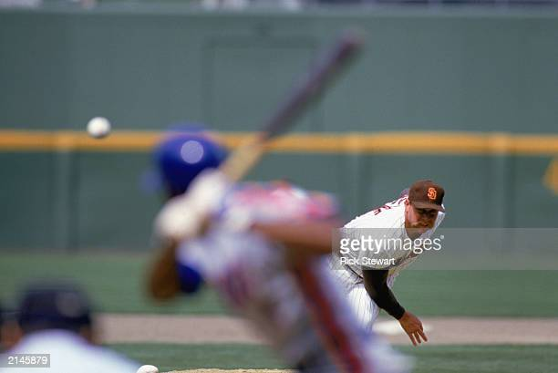 Goose Gossage of the San Diego Padres throws the pitch during the 1986 season
