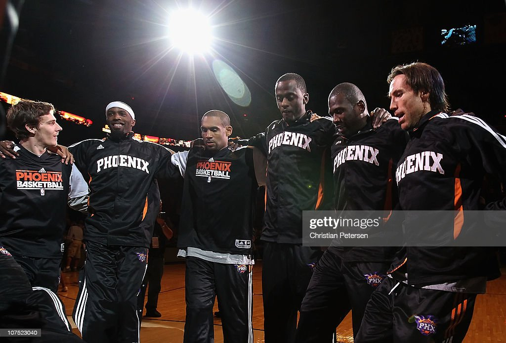 Goran Dragic Hakim WarrickGrant Hill Earl Barron Jason Richardson and Steve Nash of the Phoenix Suns huddle up before the NBA game against the...
