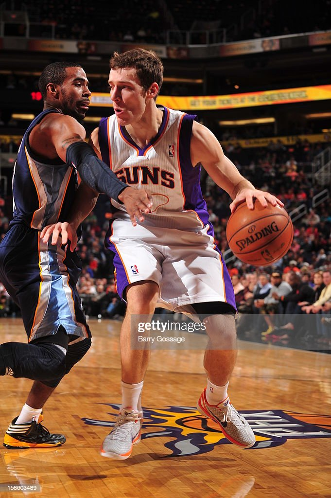 <a gi-track='captionPersonalityLinkClicked' href=/galleries/search?phrase=Goran+Dragic&family=editorial&specificpeople=4452965 ng-click='$event.stopPropagation()'>Goran Dragic</a> #1 of the Phoenix Suns drives to the basket against the Memphis Grizzlies on December 12, 2012 at U.S. Airways Center in Phoenix, Arizona.