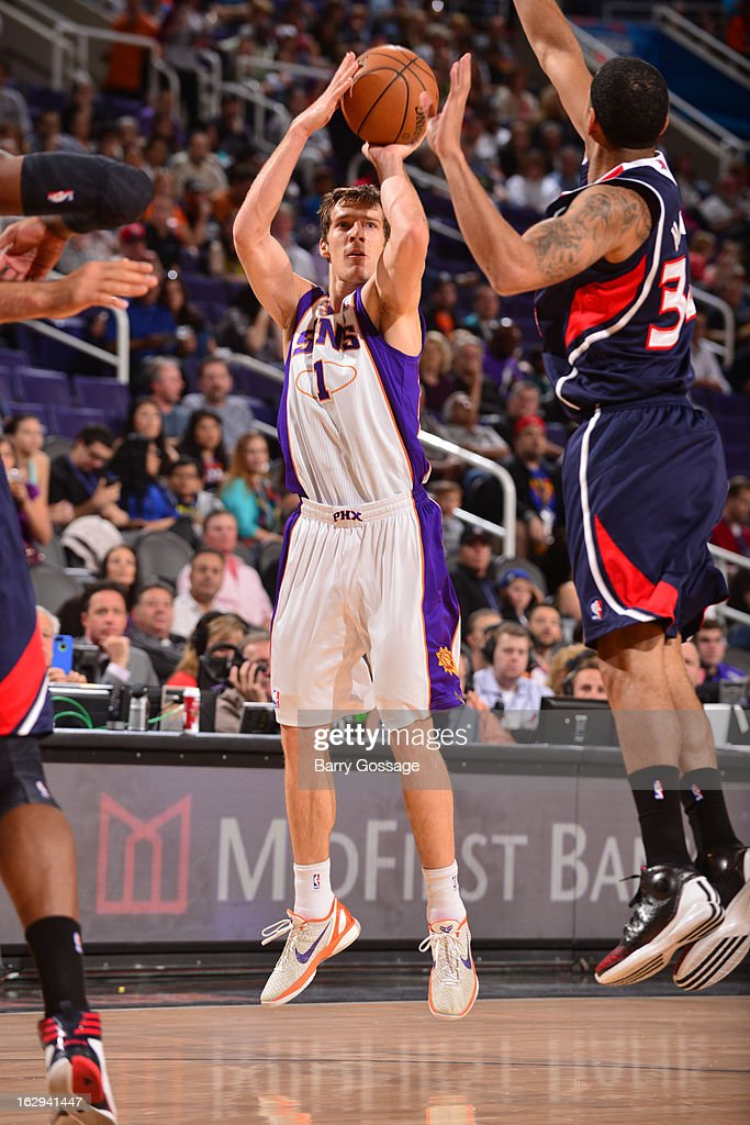 Goran Dragic #1 of the Phoenix Suns shoots against the Atlanta Hawks on March 1, 2013 at U.S. Airways Center in Phoenix, Arizona.