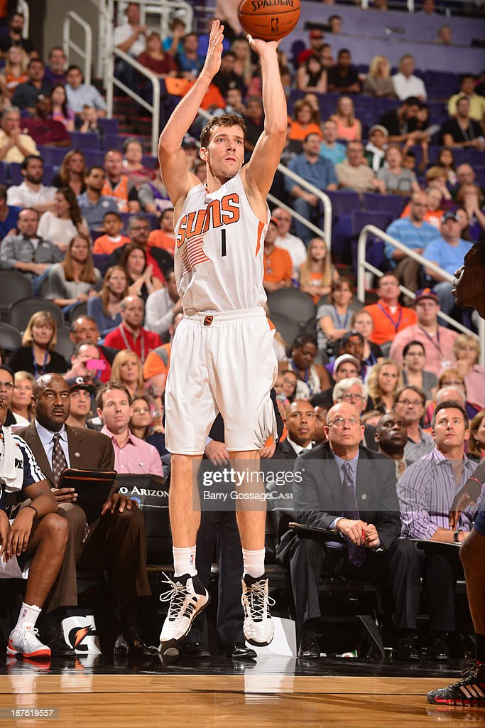 <a gi-track='captionPersonalityLinkClicked' href=/galleries/search?phrase=Goran+Dragic&family=editorial&specificpeople=4452965 ng-click='$event.stopPropagation()'>Goran Dragic</a> #1 of the Phoenix Suns shoots against the New Orleans Pelicans on November 10, 2013 at U.S. Airways Center in Phoenix, Arizona.