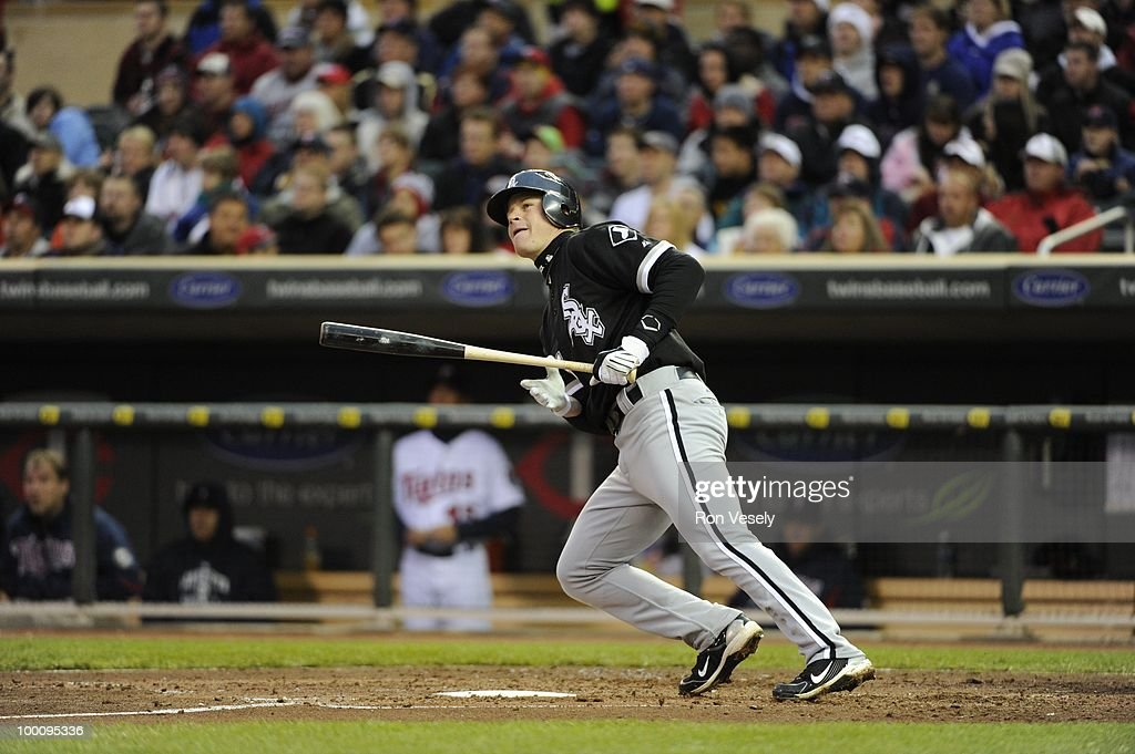 Gordon Beckham #15 of the Chicago White Sox bats against the Minnesota Twins on May 11, 2010 at Target Field in Minneapolis, Minnesota. The White Sox defeated the Twins 5-2. (Photo by Ron Vesely/MLB Photos via Getty Images) *** Gordon Beckham