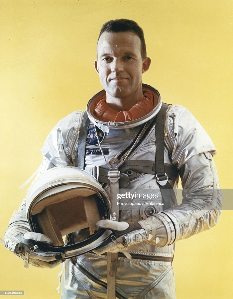 L, <a gi-track='captionPersonalityLinkClicked' href=/galleries/search?phrase=Gordon+Cooper+-+Astronaut&family=editorial&specificpeople=90970 ng-click='$event.stopPropagation()'>Gordon Cooper</a>, Jr, L, <a gi-track='captionPersonalityLinkClicked' href=/galleries/search?phrase=Gordon+Cooper+-+Astronaut&family=editorial&specificpeople=90970 ng-click='$event.stopPropagation()'>Gordon Cooper</a>, Jr, An American Astronaut, In 1963.