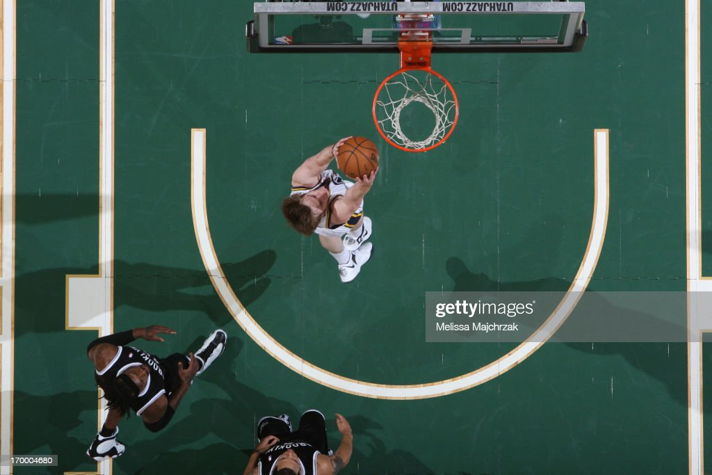 <a gi-track='captionPersonalityLinkClicked' href=/galleries/search?phrase=Gordon+Hayward&family=editorial&specificpeople=5767271 ng-click='$event.stopPropagation()'>Gordon Hayward</a> #20 of the Utah Jazz dunks against the Brooklyn Nets at Energy Solutions Arena on March 30, 2013 in Salt Lake City, Utah.