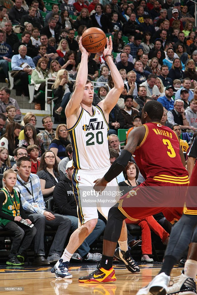 <a gi-track='captionPersonalityLinkClicked' href=/galleries/search?phrase=Gordon+Hayward&family=editorial&specificpeople=5767271 ng-click='$event.stopPropagation()'>Gordon Hayward</a> #20 of the Utah Jazz looks to pass the ball against the Cleveland Cavaliers on January 19, 2013 in Salt Lake City, Utah.