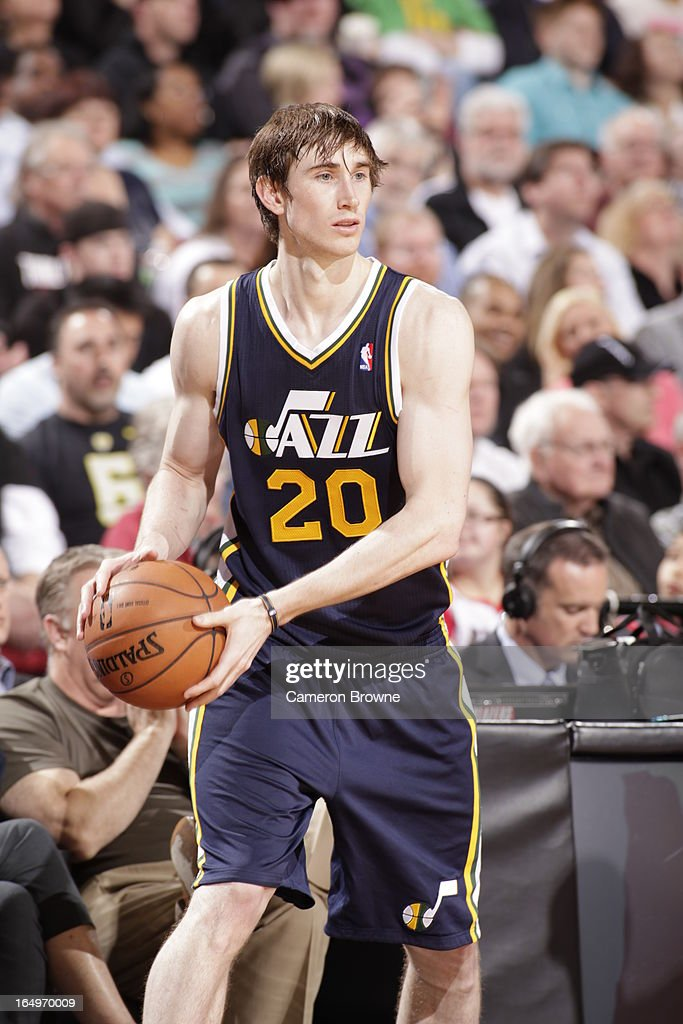 <a gi-track='captionPersonalityLinkClicked' href=/galleries/search?phrase=Gordon+Hayward&family=editorial&specificpeople=5767271 ng-click='$event.stopPropagation()'>Gordon Hayward</a> #20 of the Utah Jazz looks to pass the ball against the Portland Trail Blazers on March 29, 2013 at the Rose Garden Arena in Portland, Oregon.